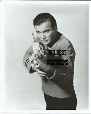 STAR TREK Rare VINTAGE PHOTO Original WILLIAM SHATNER Ray Gun Ready Awesome!