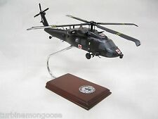 US Army Sikorsky HH-60M Blackhawk Desk Top Display Model Huey 1/40 ES Helicopter