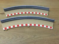 Scalextric - Outer Borders And Barriers Pair - Radius 2 L7989 'A' & L7990