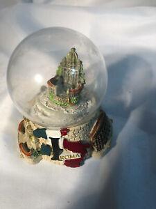 Sanpietro Roma  Souvenir Snow Globe approximate total height 9cm tall -