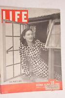 Life 1943 December US Pilot's Wife Whitman's Chocolate Gripsholm Ava Gardner M07