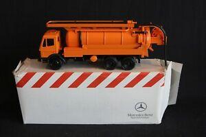 Conrad Mercedes-Benz Suction truck 1:50 #3079 (J&KvW)