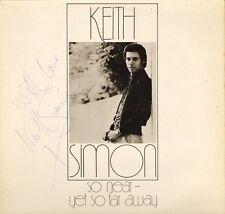 Keith Simon tan cerca pero tan lejos 1001 UK KEPE copia firmada Lp PS en muy buena condición +/ex