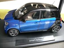 1/18 Norev Smart Forfour 2015 schwarz/blau 183435