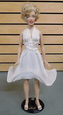"SEVEN YEAR ITCH Figure w/Stand Beautiful 17"" Marilyn Monroe Figure w/COA (DH924)"