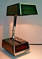 Mid Century Modern Spartus Wood Grain Digital Alarm Clock Desk Lamp Table Light