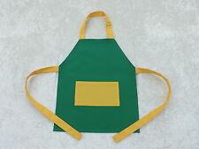 NUOVO! più giovane Childs grembiule verde con giallo in Policotone TRAPANO cinturino regolabile