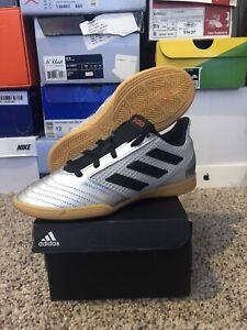 NEW Adidas Predator 19.4 IN Sala J Indoor Soccer (Size 2.5) MSRP $40