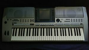 Yamaha PSR-S700 Professional Keyboard Arranger USB +  Sustain Pedal + Bag