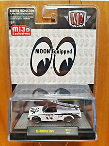 M2 MACHINES 1:64 ~ MOONEYES MJS26 ~ 1974 DATSUN 620 PICK-UP TRUCK ~ From the box