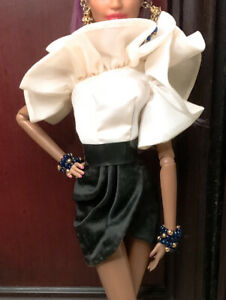 DIAMOND JUBILEE 2019 CONVENTION SILKSTONE BARBIE DOLL MATTEL FXF32 *Fashion Only