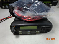 Motorola CDM1250 UHF 450-512 MHz Mobile Radio 40 Watt AAM25SKD9PW2AN