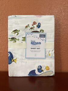 Pottery Barn Kids Disney and Pixar Finding Nemo Toddler Sheet Set Fish Ocean