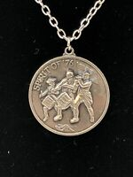 "Spirit of '76 Round Pendant Silver Tone 24"" Necklace Bicentennial Collectible"
