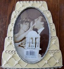 """Wedding Supplies Cake Frame- Holds a 4"""" x 6"""" picture- A great gift for a shower"""