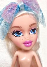 Mga~Bratz Girl Doll~Pale Blonde Hair Blue Eyes w/shoes~Nude