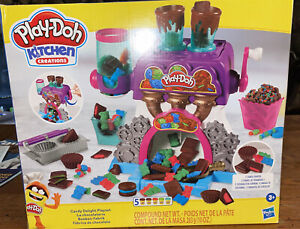 Play-Doh Kitchen Creations Candy Delight Playset W/  5 Play-Doh Cans- New