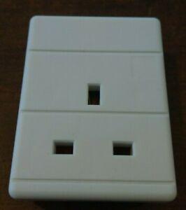 1 Gang Trailing Socket. 1 Way 13A Rewireable Extension Socket PRO ELEC WHITE