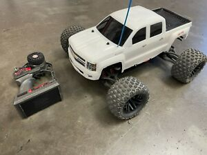 Traxxas E-Maxx R/C Electric 4X4 Monster Truck