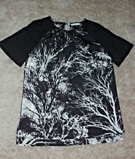 Target: Size: 10. Stylish Modern Black & White Slimming Print, Short-Sleeve Top