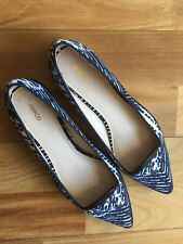 MIMCO Womens Black & White Flat Shoes With Rubber Soles - Size 39
