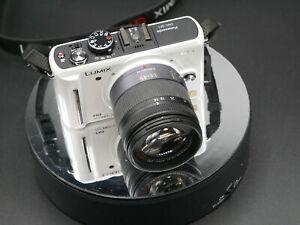 Panasonic LUMIX DMC-GF1K 12.1MP Digital Camera - White Kit mit Objektiv 14-45mm