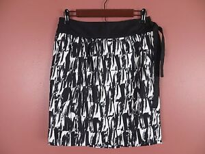 SK06606- NEW BANANA REPUBLIC Woman 100% Polyester Wrap Skirt Black White Geo 6