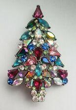 Avon 2006 3rd Annual Christmas Tree Pin 10-856