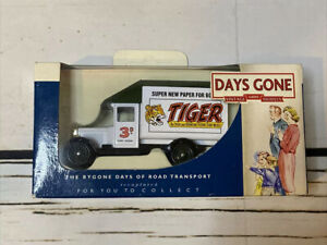 Lledo Days Gone Morris Parcels Van with Tiger Boys Magazine decals