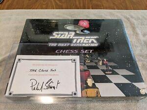 Lot 793 - Star Trek (Patrick Stewart) Personal Chess Set - Autographed