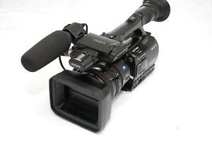 Sony HVR-Z7E PAL HDV1080i DVCAM MINI DV Camcorder WITH Luggy camecorder  bag