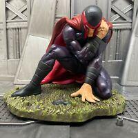 Marvel 2004 X-Men Legends Dark Magneto Wounded Figure Statue