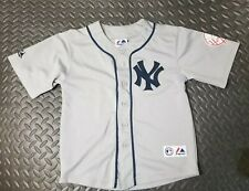 Derek Jeter New York Yankees Majestic baseball Jersey Youth size 8 grey