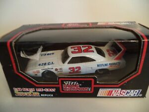 RACING CHAMPIONS PLYMOUTH SUPERBIRD BESTLINE 426   1/43RD SCALE    IN  CASE.