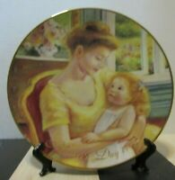 Vintage Mothers Day collector plate 1995 Avon A Mother's Love
