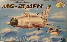 NUEVO MiG-21 NMF, 1:72,R.V. Aircraft , Modelo plástico kit , muchos Adhesivos