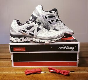 NEW New Balance 860 DISNEY RUN MINNIE MOUSE 2015 SHOES SIZE 8 US NEW IN BOX