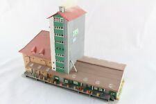Kibri 6607 Lagerhaus mit Figuren Kisten und vielen Details Spur Z +Top+