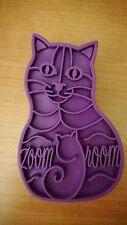 NWOP KONG Zoom Groom Feline Purple Rubber Grooming Hand Tool