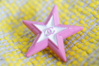 Star 100% Authentic Chanel Buttons 25 mm 1 inch logo cc pink