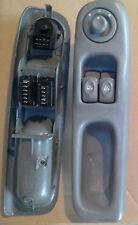commande Interrupteur leve vitre et retro gris moyen gauche Twingo 1 7700832376