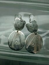 Pretty vintage statement artisan sterling 925 modernist cat Wire earrings