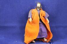 alte Krippefigur mit Wachs  Kopf Klosterarbeit 19.Jh. mit gelben  Umhang Gewand