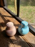 Vintage Vernon Kilns Pastels Blue And Rose Pink Pottery Salt And Pepper Shakers