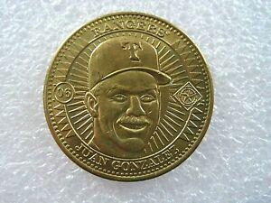 1998 Pinnacle Juan Gonzalez Texas Rangers Baseball Brass Token Coin Medal