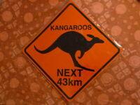 PLAQUES PUBLICITAIRE Panneau routier tolée : traversée de kangourou 25 cm