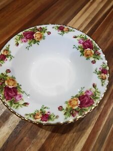 Royal albert old country roses Rimmed Soup Bowls x 3