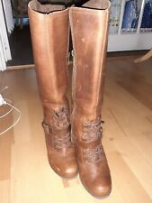 Womens Timberland brown leather kneelength boots size 3.5. Zip, lace & buckle!.