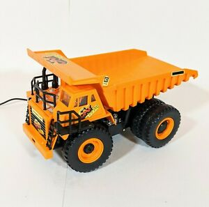 Vintage New Bright The Cat 777B Remote Control Battery Operated Dump Truck 1988