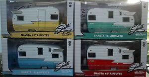 1961 Shasta Airflyte 15`Camping Trailer Camping Anhänger 1:24, Green Light 18225